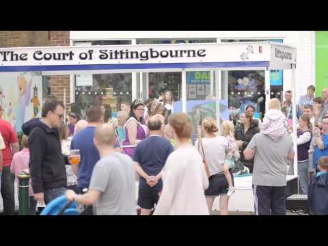People watching the Sittingbourne carnival.